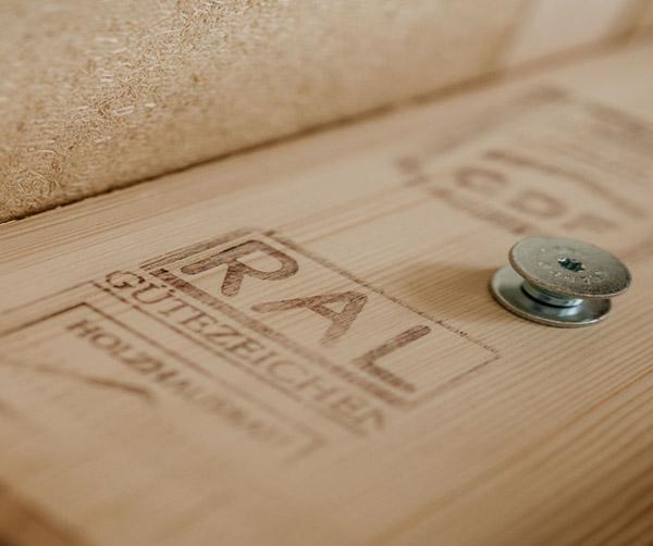 Baumaterial Ral siegel Holz